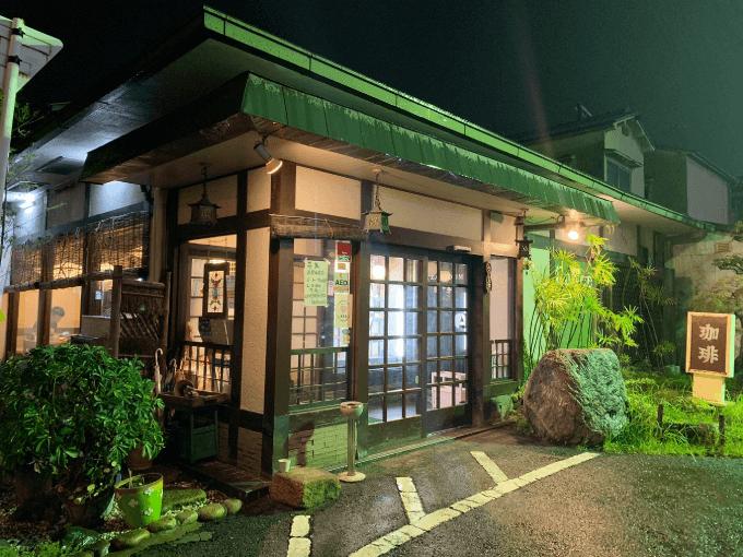 瓢亭の外観(夜)