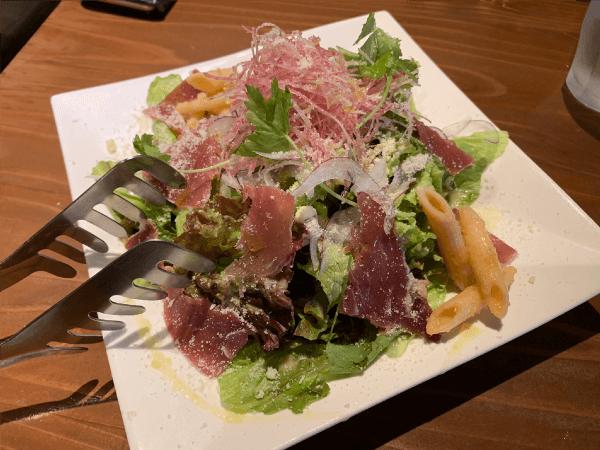 キッチンニトロの生ハムサラダ