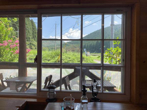 能勢ログの窓からの眺め