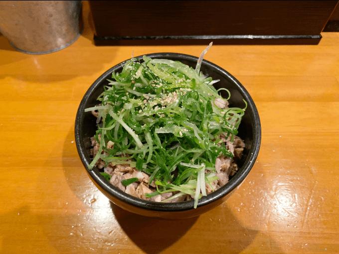 ラーメン坊也哲のネギ豚丼